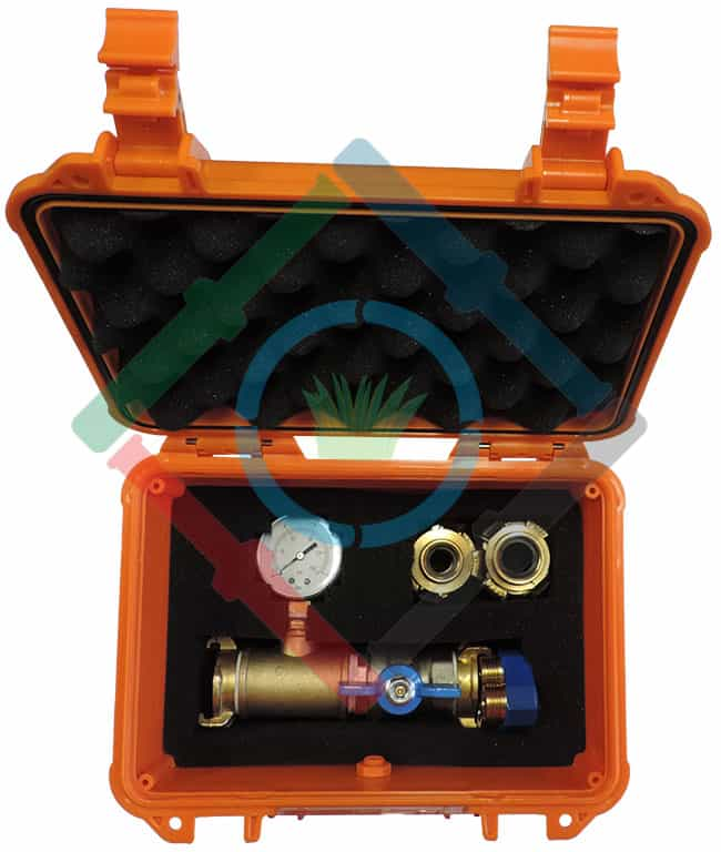 Nyomás és vízhozam mérés - karakterisztika mérő készülék